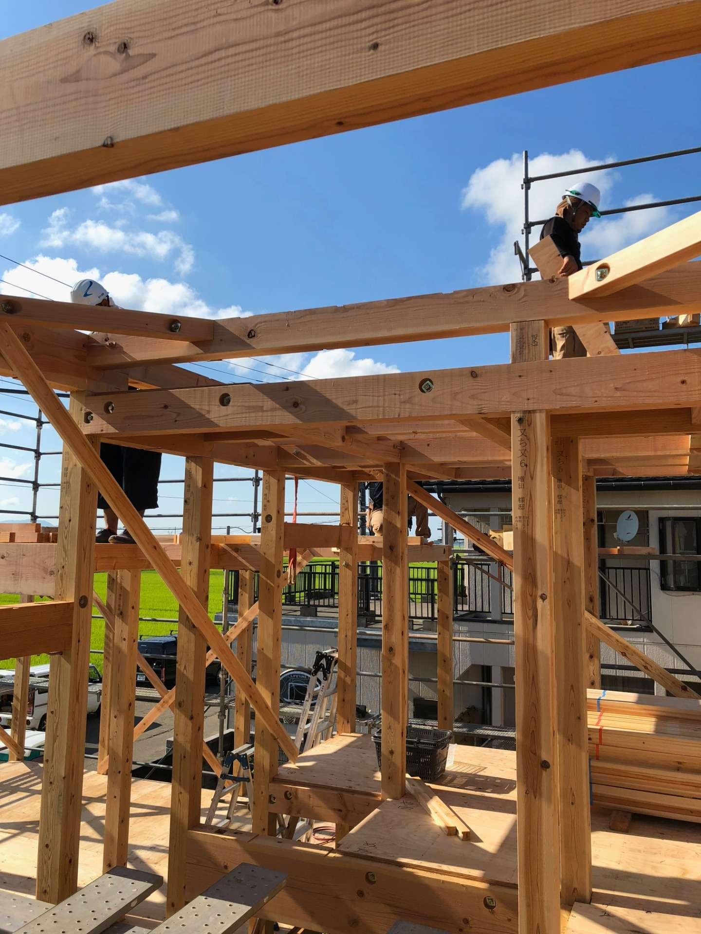 ハウスメーカーと工務店 家を建てるときの違いは 藤和建工 マイホームへの夢を一緒に広げていきましょう 三条市で自然素材の注文住宅なら藤和建工へ